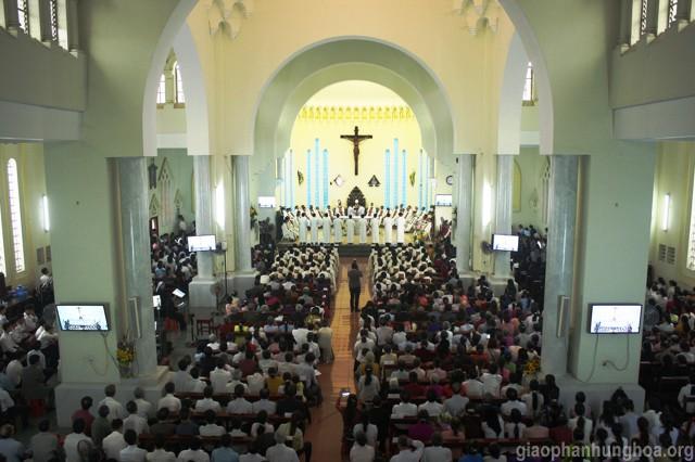 Lễ Truyền Chức Phó Tế cho 9Thầy Tại Giáo Phận Hưng Hóa - Ảnh minh hoạ 16