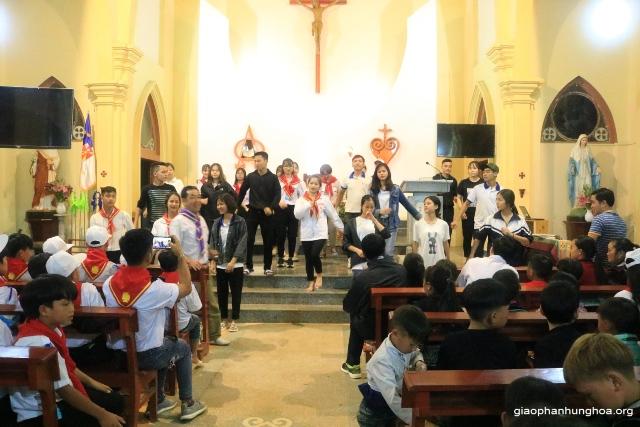 Giới trẻ giáo xứ Thuấn Nội giao lưu